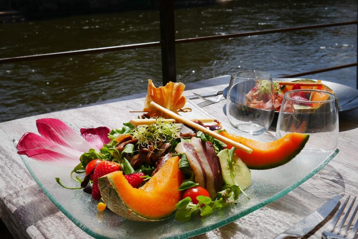Dordogne Périgord salade été oberge montignac restaurant